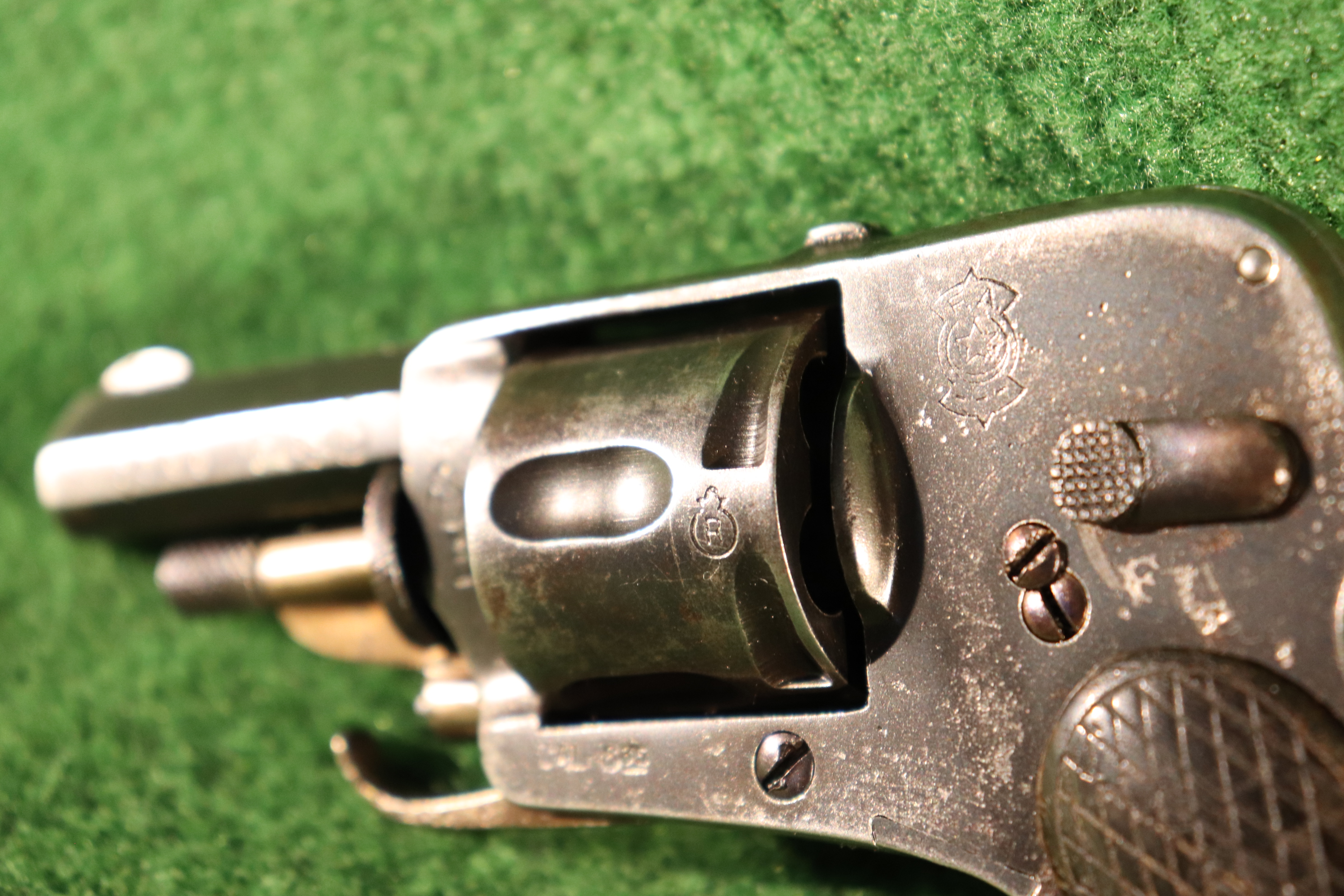 Revolver Hammerless cal.6.35mm Cat.D